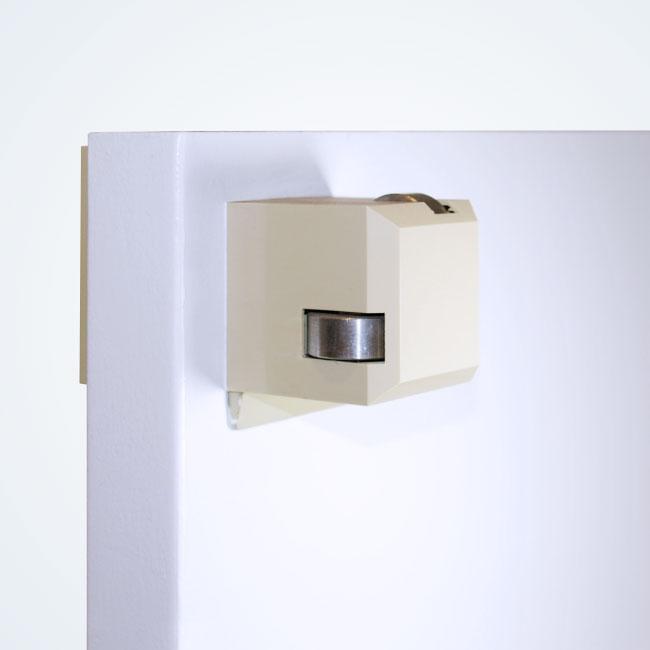 ドア耐震用開閉補助装置 デレル8